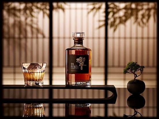 На фото – японский виски Hibiki